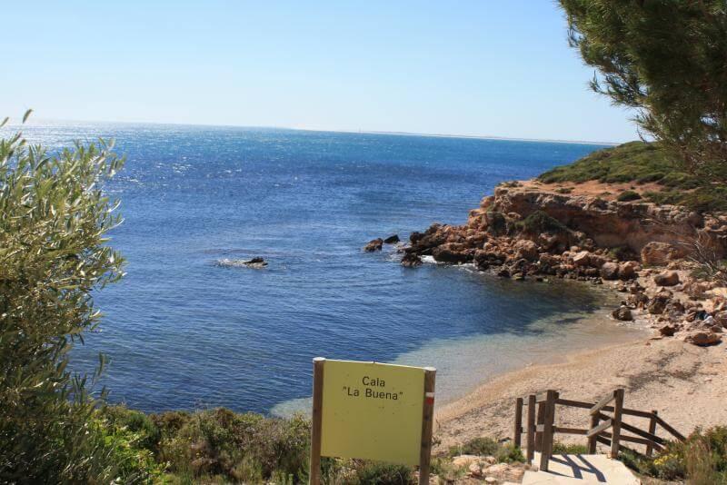 La playa Cala Buena / Playa de la Buena se encuentra en el municipio de El Perell, perteneciente a la provincia de Tarragona y a la comunidad autónoma de Cataluña