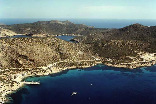 La playa Cala Donzell se encuentra en el municipio de Palma de Mallorca, perteneciente a la provincia de Mallorca y a la comunidad autónoma de Islas Baleares