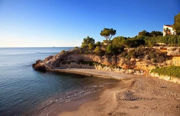 La playa Cala Pepo se encuentra en el municipio de L'Ametlla de Mar, perteneciente a la provincia de Tarragona y a la comunidad autónoma de Cataluña