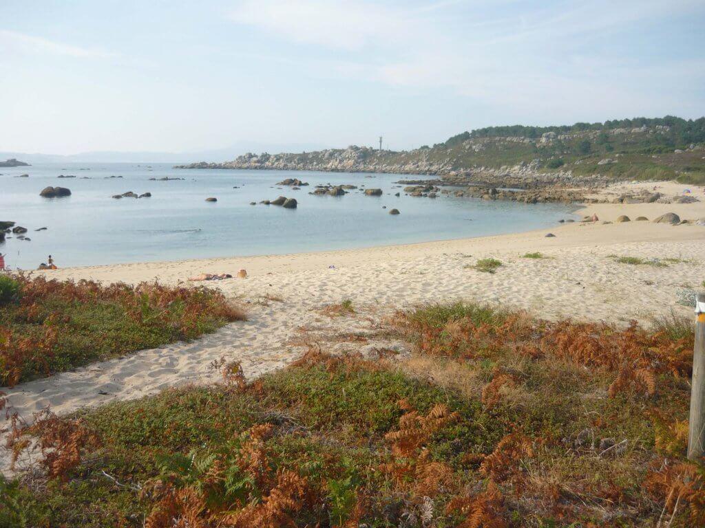 La playa Barreiro se encuentra en el municipio de O Grove, perteneciente a la provincia de Pontevedra y a la comunidad autónoma de Galicia