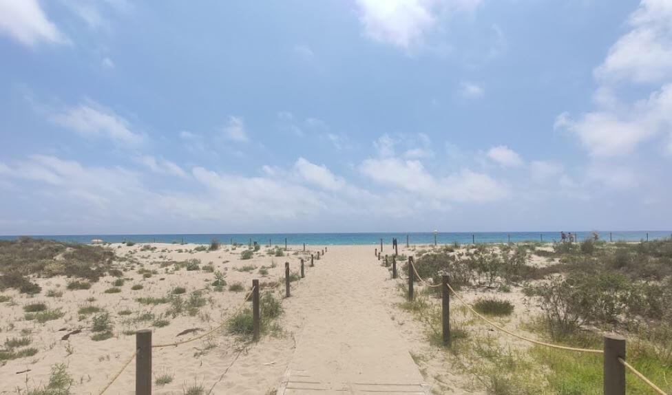 La playa Barrio Marítimo / Barri Marítim se encuentra en el municipio de Torredembarra, perteneciente a la provincia de Tarragona y a la comunidad autónoma de Cataluña