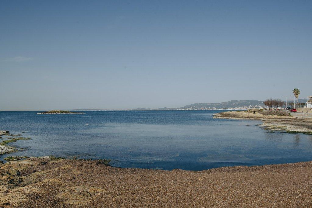 La playa Caló de son Caios / Son Cayos / Es Clot d'en Bernadet se encuentra en el municipio de Palma de Mallorca, perteneciente a la provincia de Mallorca y a la comunidad autónoma de Islas Baleares