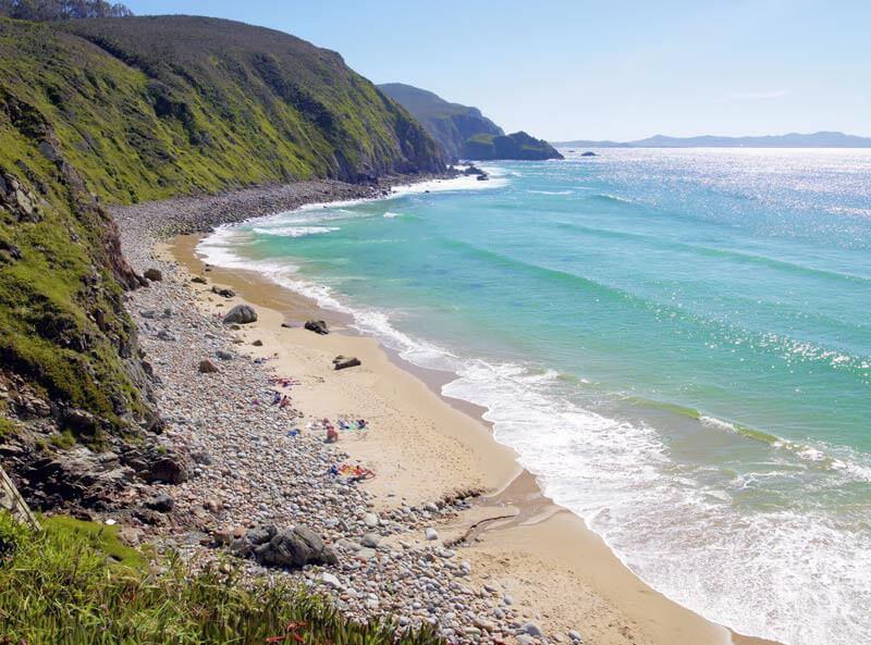 La playa Campelo se encuentra en el municipio de Valdoviño, perteneciente a la provincia de A Coruña y a la comunidad autónoma de Galicia