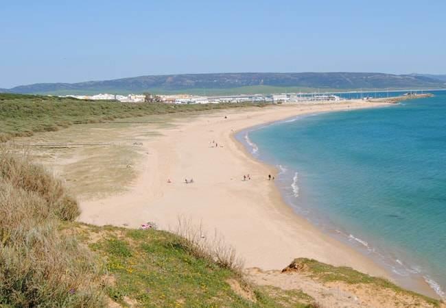 La playa Cañillos / Del Botero se encuentra en el municipio de Barbate, perteneciente a la provincia de Cádiz y a la comunidad autónoma de Andalucía