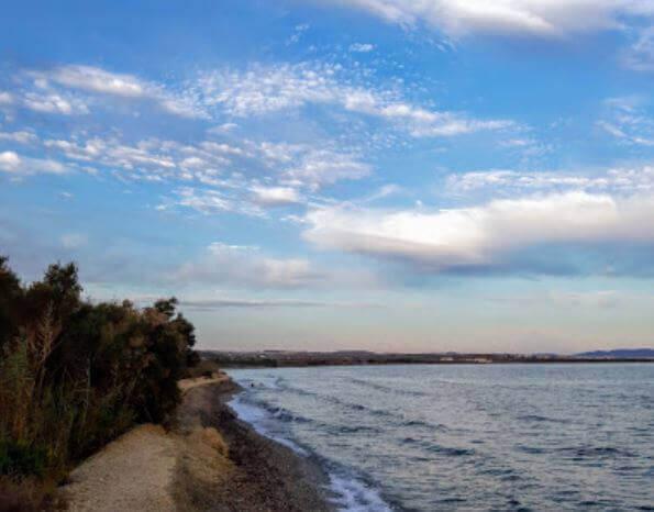 La playa Costacabana se encuentra en el municipio de Almería, perteneciente a la provincia de Almería y a la comunidad autónoma de Andalucía