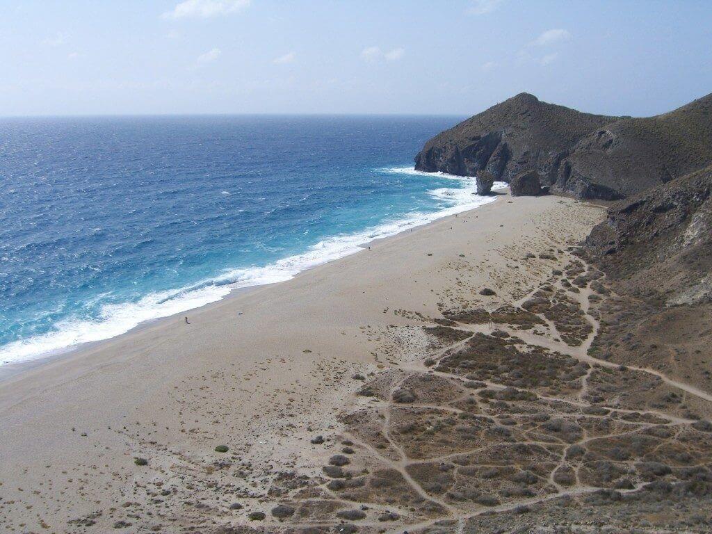 La playa El sombrerito / Punta del Sombrerico se encuentra en el municipio de Águilas, perteneciente a la provincia de Murcia y a la comunidad autónoma de Región de Murcia