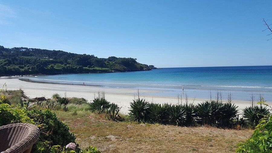 La playa Estorde se encuentra en el municipio de Cee, perteneciente a la provincia de A Coruña y a la comunidad autónoma de Galicia