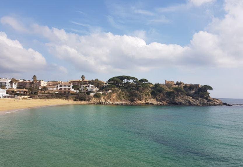 La playa La Fosca se encuentra en el municipio de Palamós, perteneciente a la provincia de Girona y a la comunidad autónoma de Cataluña