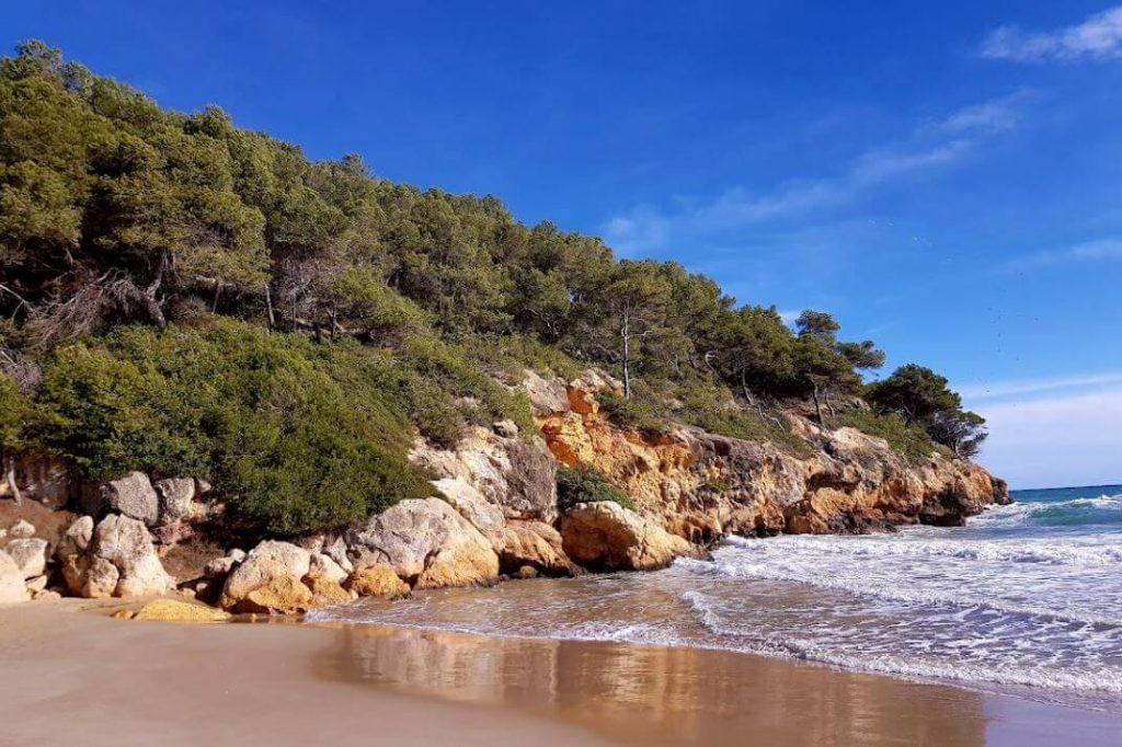La playa La Móra se encuentra en el municipio de Tarragona, perteneciente a la provincia de Tarragona y a la comunidad autónoma de Cataluña