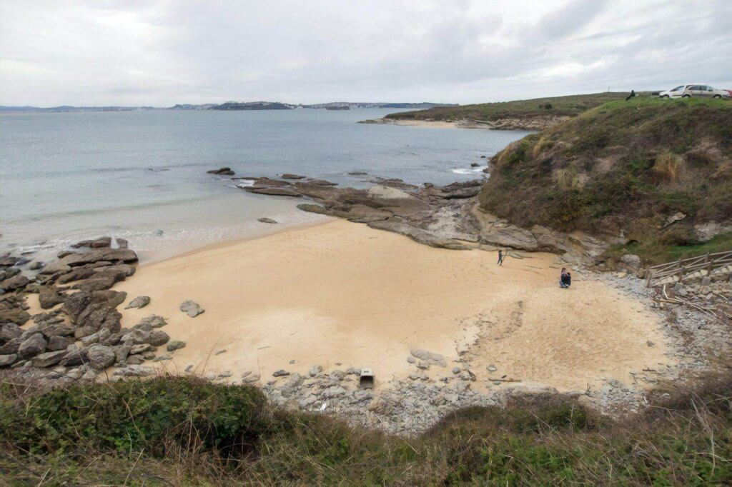 La playa Los Tranquilos / Bao se encuentra en el municipio de Ribamontán al Mar, perteneciente a la provincia de Cantabria y a la comunidad autónoma de Cantabria
