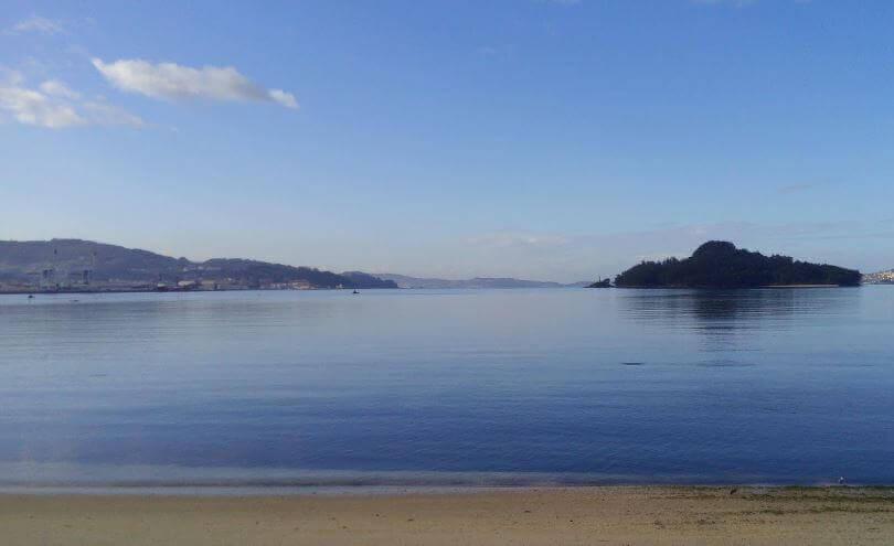La playa Lourido / Polvorín se encuentra en el municipio de Poio, perteneciente a la provincia de Pontevedra y a la comunidad autónoma de Galicia