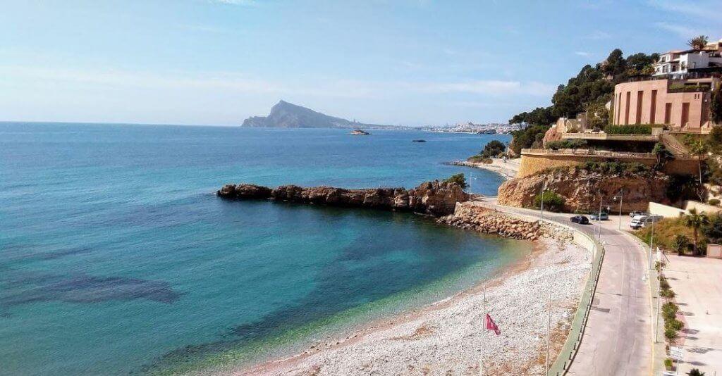 La playa Mascarat Sur / Playa de la barreta se encuentra en el municipio de Altea, perteneciente a la provincia de Alicante y a la comunidad autónoma de Comunidad Valenciana