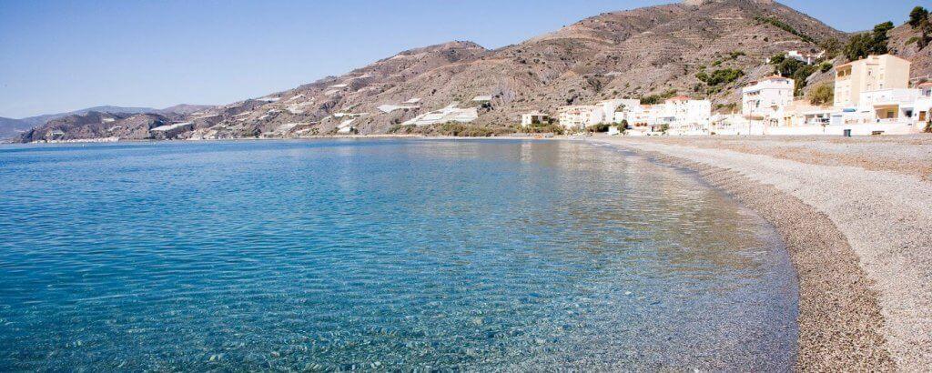 La playa Melicena se encuentra en el municipio de Sorvilán, perteneciente a la provincia de Granada y a la comunidad autónoma de Andalucía