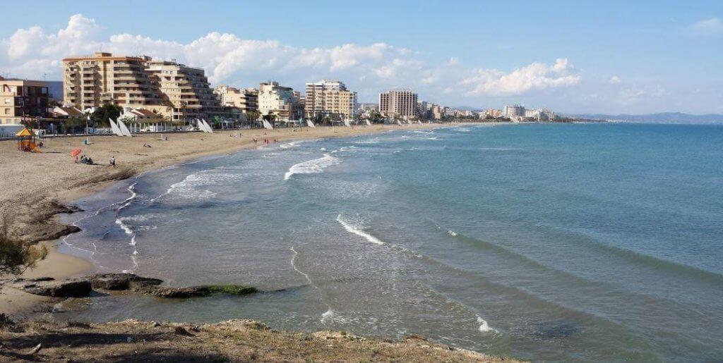 La playa Morro de Gos se encuentra en el municipio de Oropesa del Mar, perteneciente a la provincia de Castellón y a la comunidad autónoma de Comunidad Valenciana