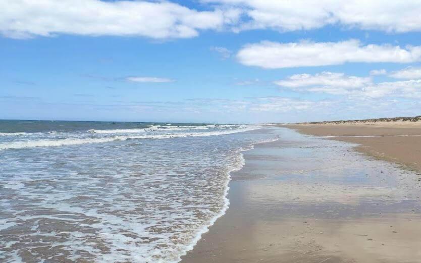 La playa Nueva Umbría se encuentra en el municipio de Lepe, perteneciente a la provincia de Huelva y a la comunidad autónoma de Andalucía