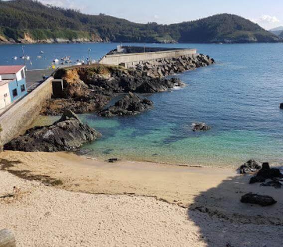 La playa Orbeiro / Santa Cristina se encuentra en el municipio de Ortigueira, perteneciente a la provincia de A Coruña y a la comunidad autónoma de Galicia