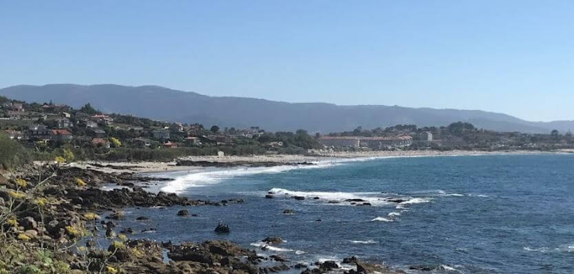 La playa Patos / Playa de Prado o As Canas / Playa de Abra se encuentra en el municipio de Nigrán, perteneciente a la provincia de Pontevedra y a la comunidad autónoma de Galicia