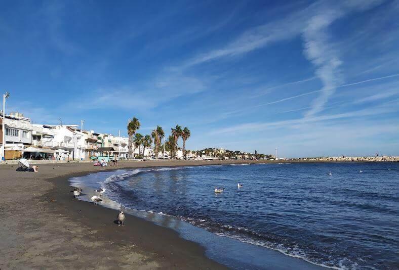 La playa Pedregalejo se encuentra en el municipio de Málaga, perteneciente a la provincia de Málaga y a la comunidad autónoma de Andalucía