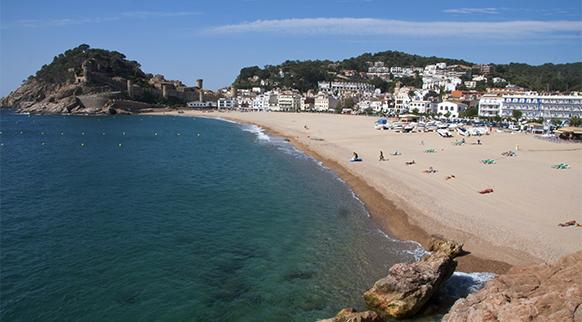 La playa Platja Gran se encuentra en el municipio de Tossa de Mar, perteneciente a la provincia de Girona y a la comunidad autónoma de Cataluña