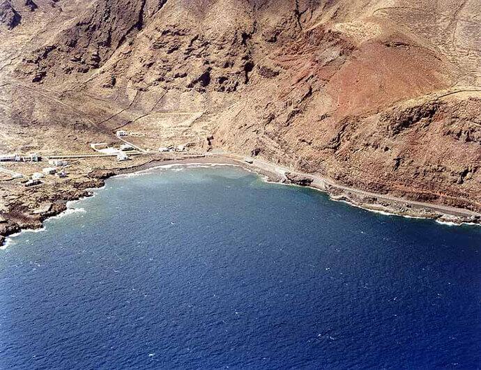 La playa Timijiraque se encuentra en el municipio de Valverde, perteneciente a la provincia de El Hierro y a la comunidad autónoma de Canarias